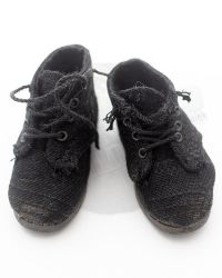 Worn Suede Lace Up Sneakers (Black)