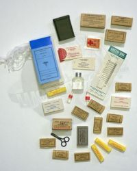 Dragon Models Ltd.  WWII US Army Medic Medical Supplies Assortment