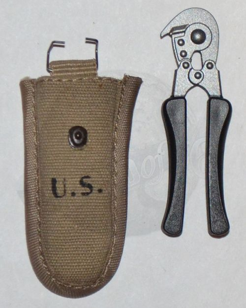 Soldier Story US Army 28th Infantry Division Machine Gunner Arden 1944: M-1943 Wire Cutter With Pouch