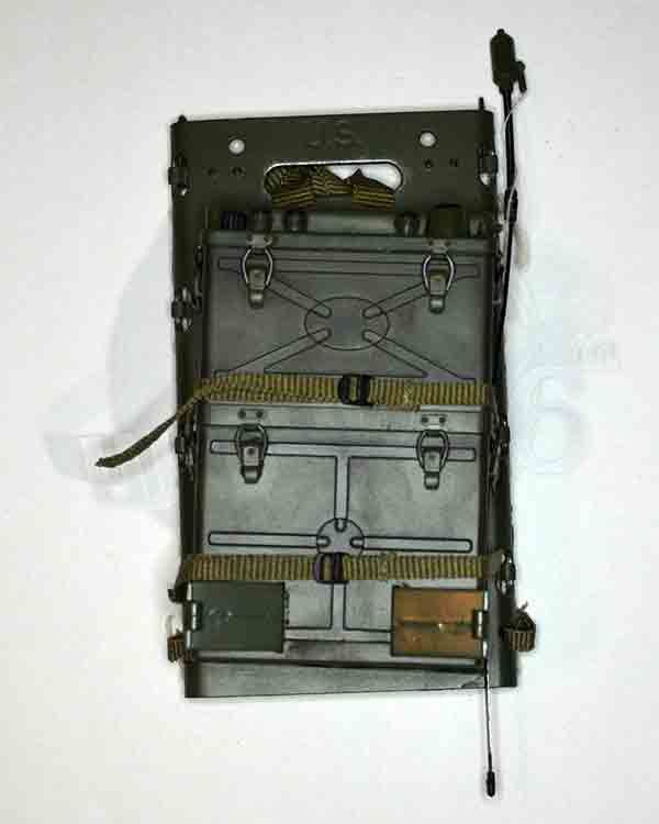 BBI Elite Force WWII US Army Radio Man Sparky Parsons: US Army SCR 300 Radio Pack